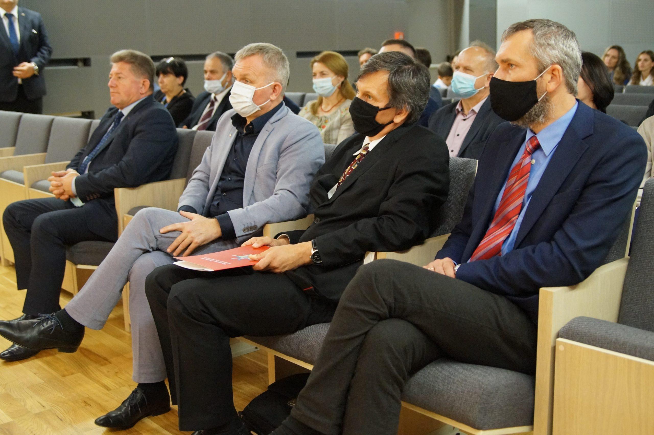 Директор ПНІ на зустрічі з міністром закордонних справ України
